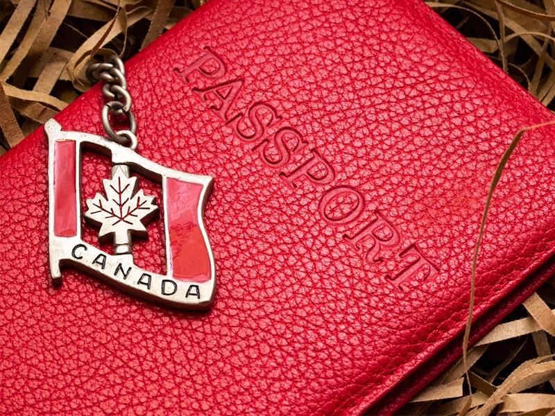 پاسپورت در کانادا